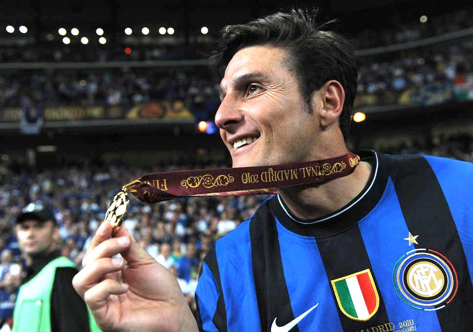 """Zanetti a true model in terms of sport style, both in field and out"", as said by Gianni Di Pietro president of the ""Varaldo Di Pietro"" Foundation"